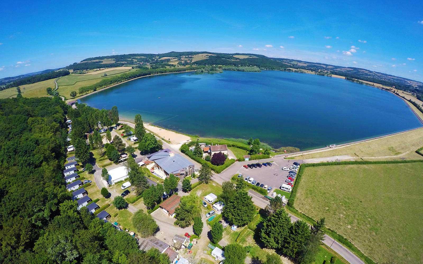 Camping du lac de panthier 4 toiles bourgogne site for Camping lac du bourget piscine