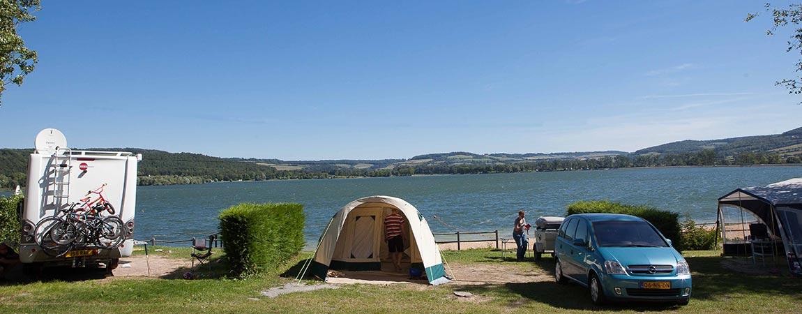 Lac Avec Air De Camping Car